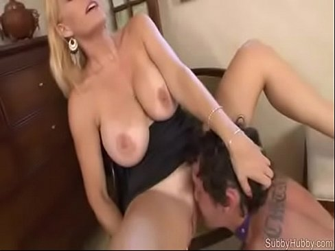 son licking pussy
